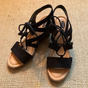 Dr. Scholl's Black and Tan wedges